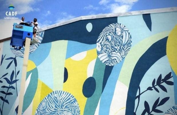 Con i murales di Tellas rinasce la sede di CADF